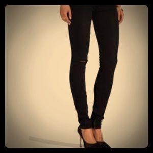 TEXTILE ✨ Elizabeth & James 💫 Jeans